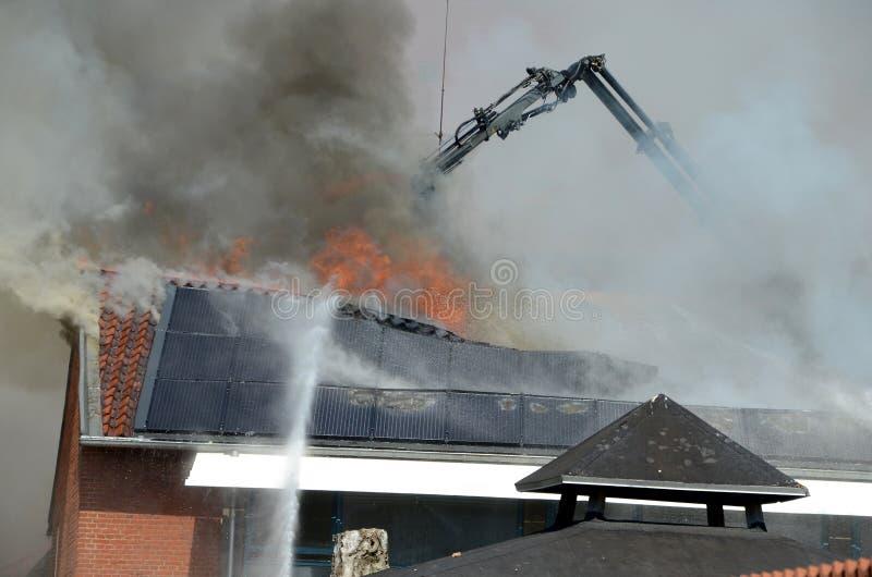 Brand i en byggnad royaltyfri bild