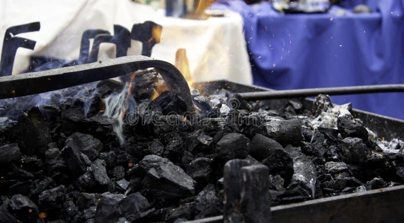 Brand i smedjan arkivfoto