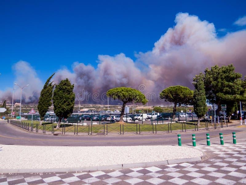 Brand i Vitrolles, Augusti 10, 2016 royaltyfri fotografi