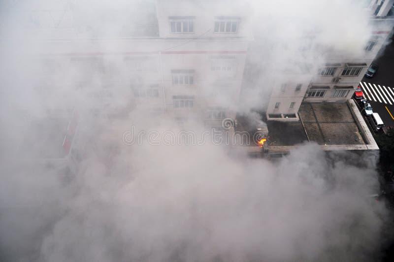 Brand och rök royaltyfria bilder