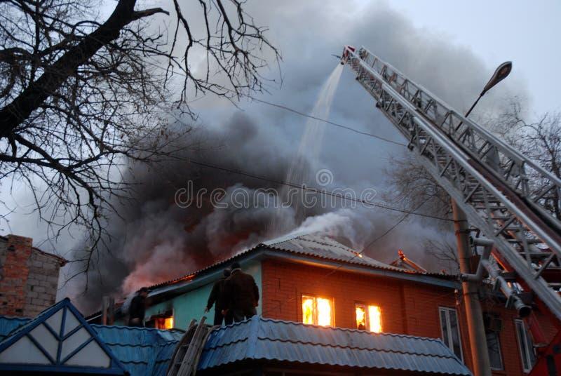 Brand op ingezeten gebied, Astrakan, Rusland stock fotografie
