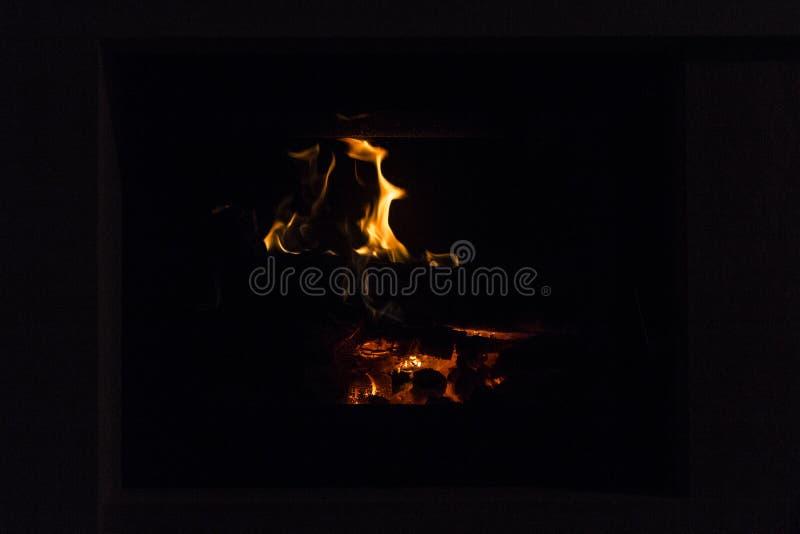 Brand in open haard Warm huis royalty-vrije stock foto