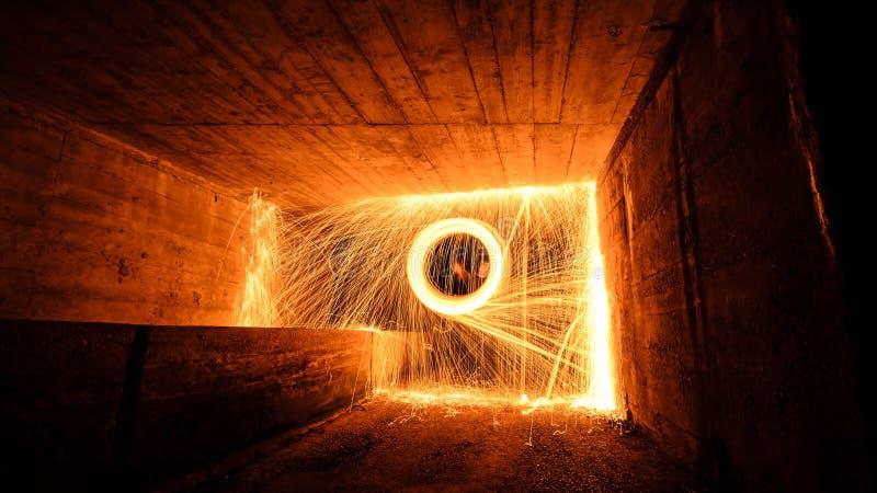 Brand på väggen arkivfoton