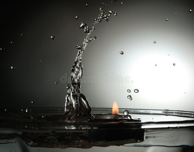 brand vs vatten arkivfoton
