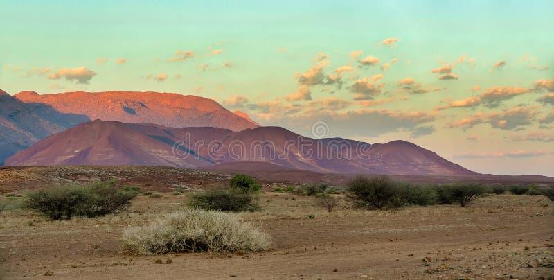 Brandberg山在纳米比亚,非洲原野 免版税图库摄影