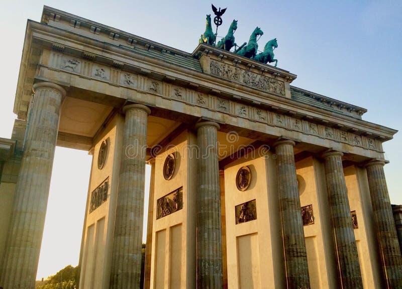 Brandenburg brama dniem! zdjęcie royalty free