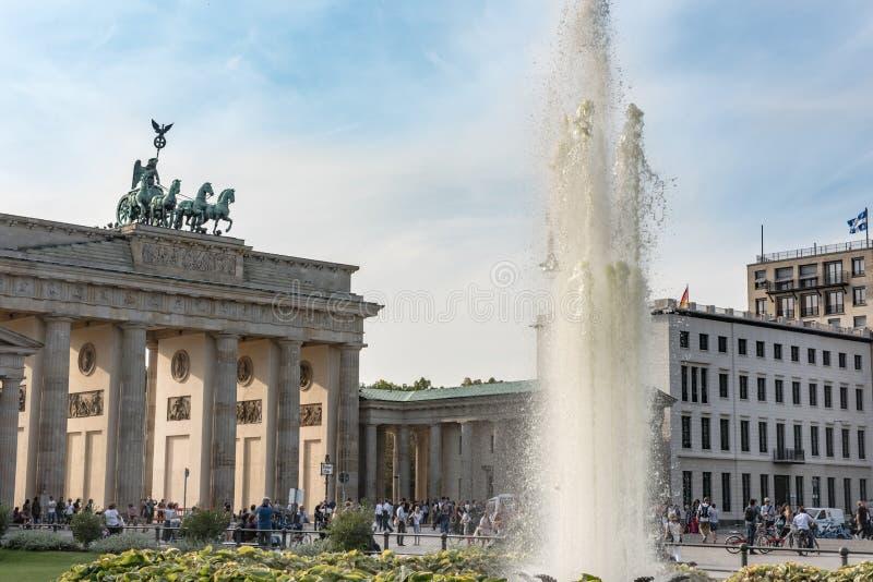 Brandenburg Gate and Pariser Platz with fountain, Berlin, Germany stock photography