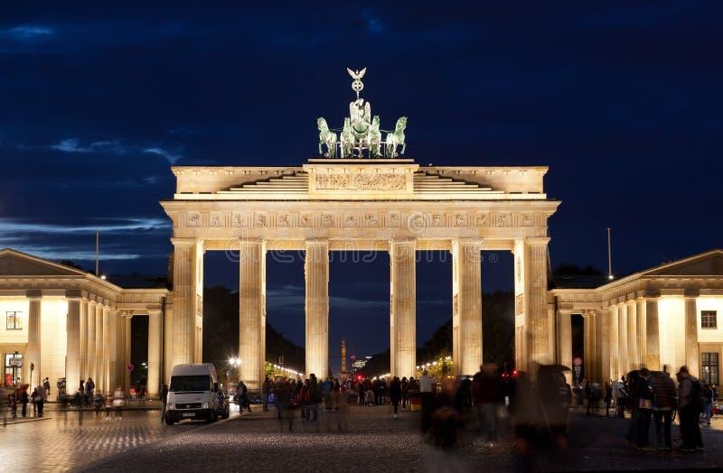 Brandenburg utfärda utegångsförbud för royaltyfria bilder