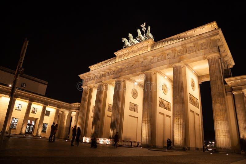 Brandenburger port i berlin arkivbild