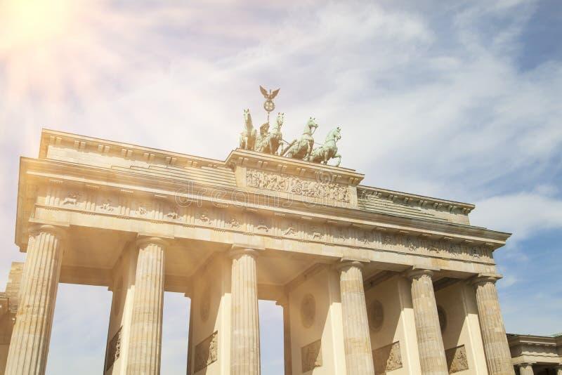 Brandenburger port och sol arkivfoton