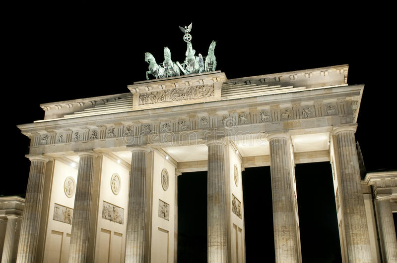 Download Brandenburger Tor stock photo. Image of brandenburg, building - 16748642