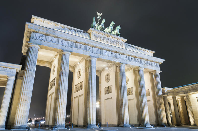 Download The Brandenburger Tor At Berlin, Germany Stock Photo - Image: 25986986