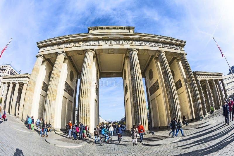 Brandenburger Tor (Brandenburger-Felsen) in Berlin lizenzfreies stockbild