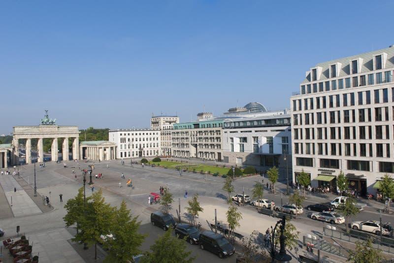 Brandenburger utfärda utegångsförbud för, Berlin royaltyfria foton