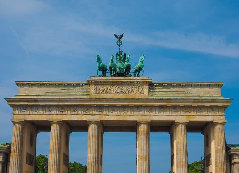 Brandenburger Tor (den Brandenburg porten) i Berlin arkivbild