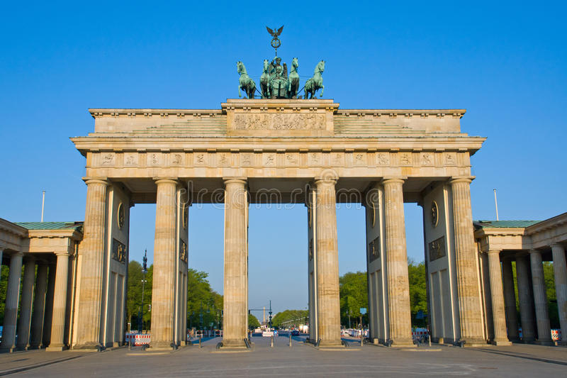 Download Brandenburger Tor In The Early Morning Sun Stock Image - Image: 19483565