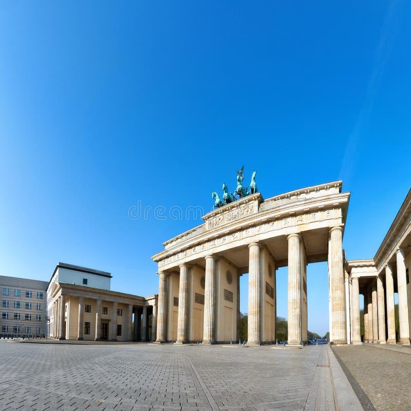 Brandenburger Tor Brandenburger-Felsen in Berlin, Deutschland, auf einem Br lizenzfreie stockfotos