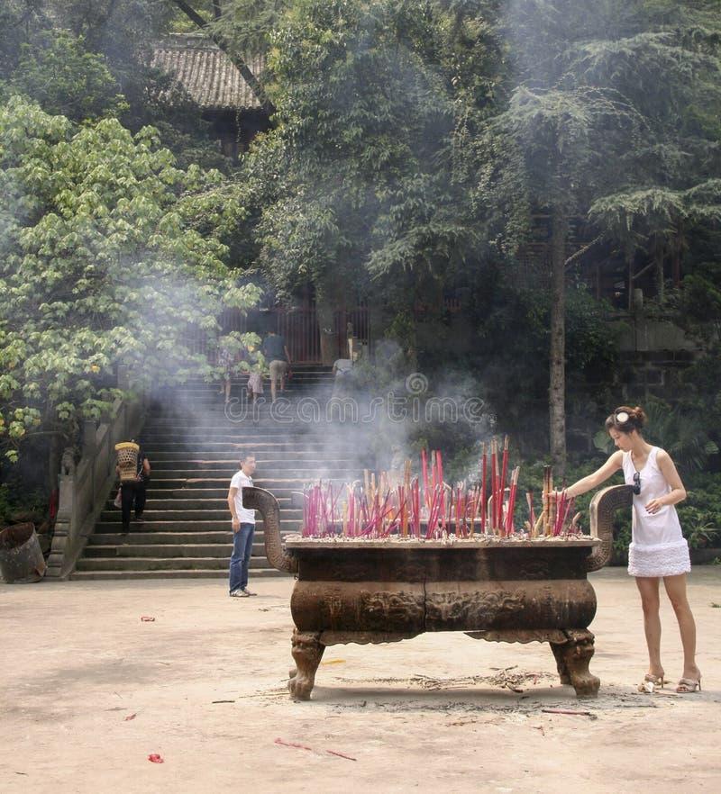 Brandend incenses in het shijing van tempel, chengdu, China royalty-vrije stock afbeeldingen