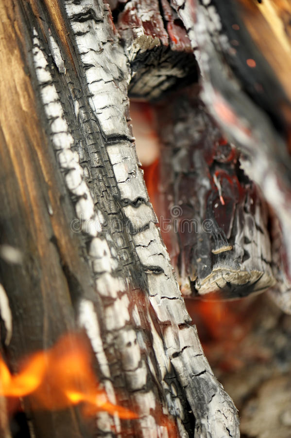 Brandend vuur stock afbeelding