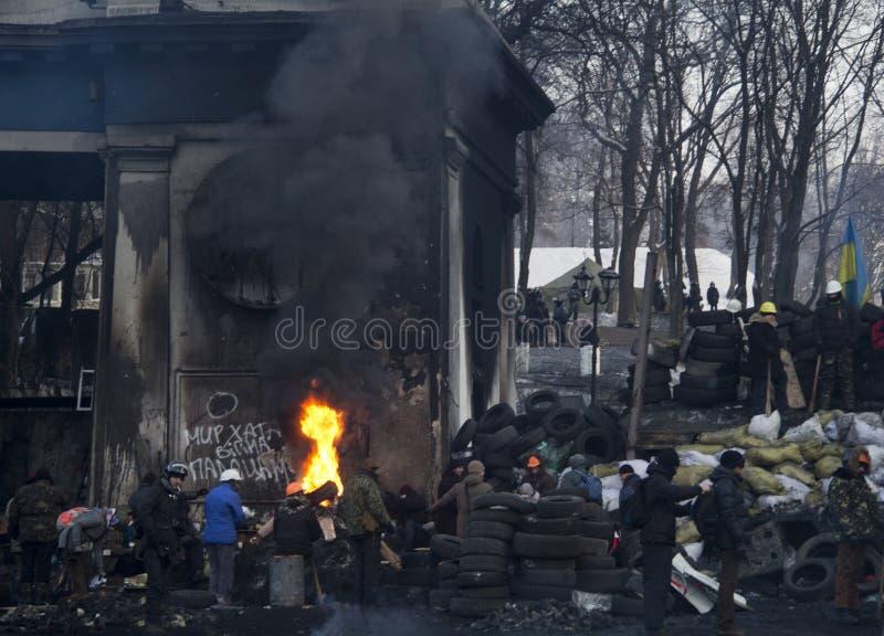 Brandende banden stock afbeeldingen