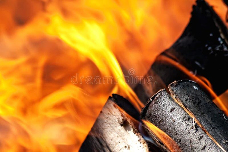 Download Brandende brand stock foto. Afbeelding bestaande uit vlam - 10776572