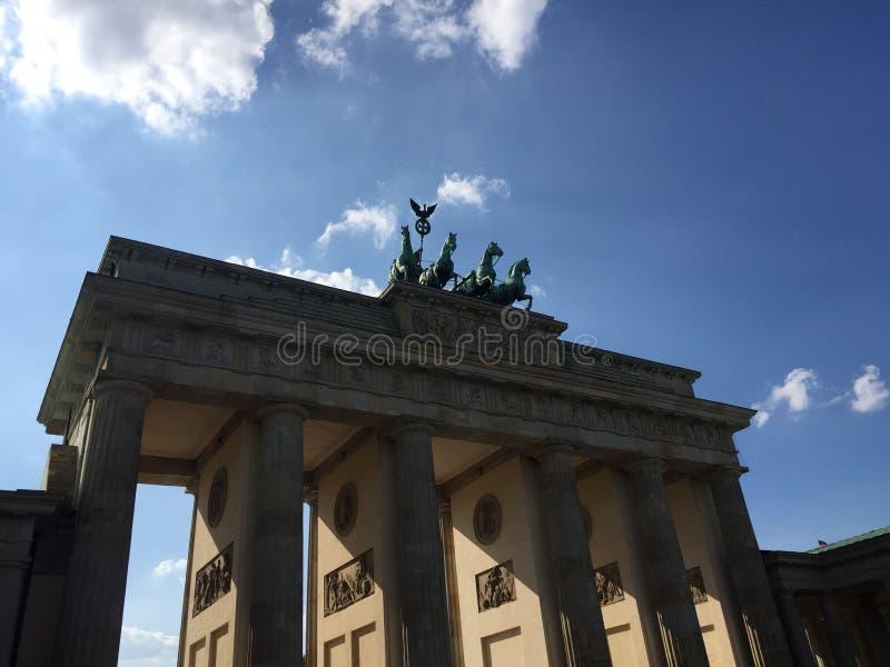 Download Branderburg port arkivfoto. Bild av monument, fyra, tysk - 78729824