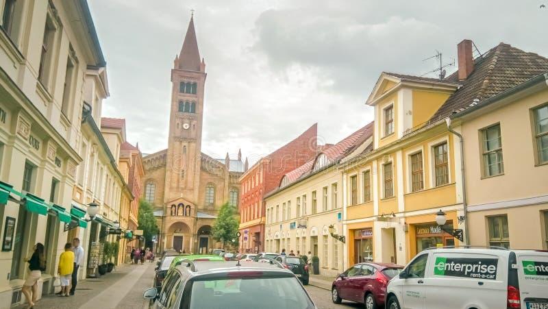 Branderburger Street w centrum Poczdamu niedaleko Berlina, Niemcy zdjęcie stock