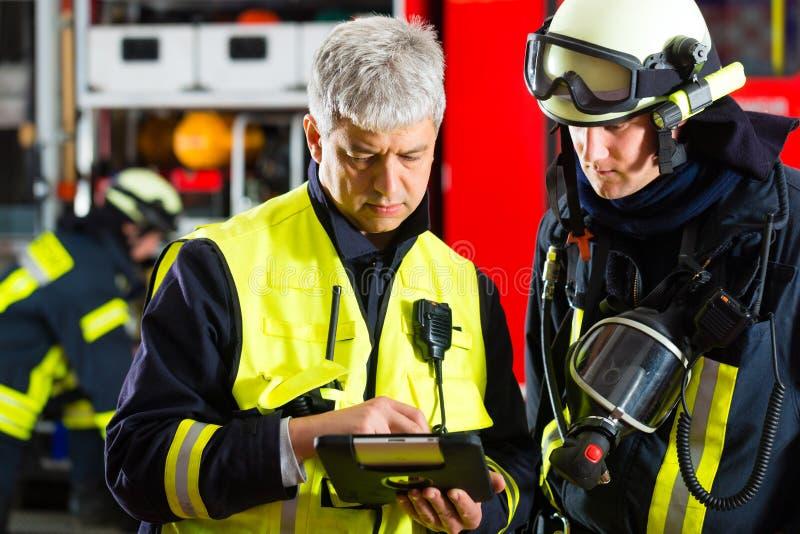 Planera för brandkårutplacering royaltyfri fotografi