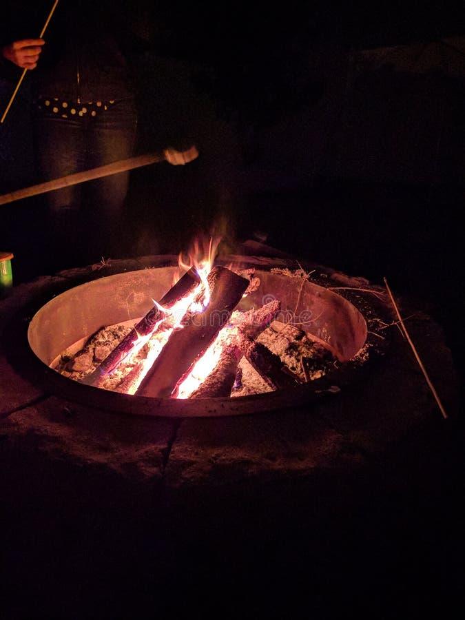 Brandkuil stock afbeelding