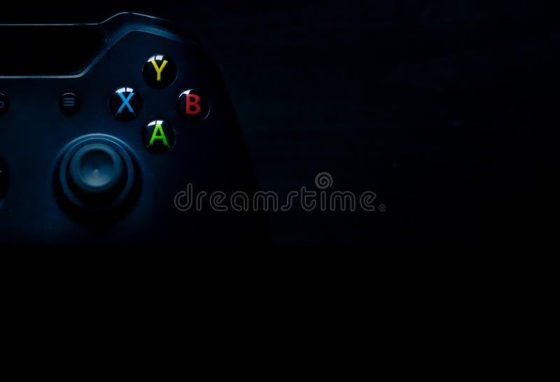 Brandless hazardu kontroler siedzi w odgórny lewym wizerunek doskonalić dla Powerpoints i innego prezentacja materiału obrazy stock