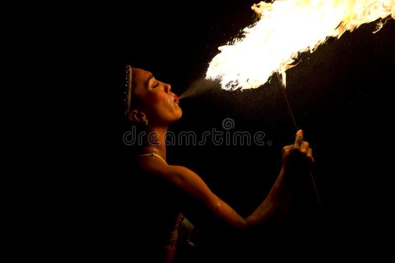 Brandluftventilkvinnlig royaltyfria foton