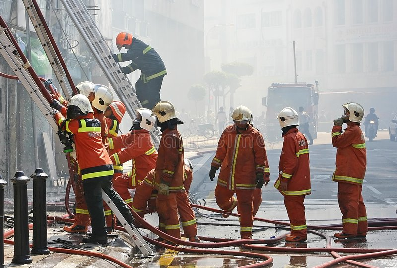Download Brandmän fotografering för bildbyråer. Bild av professionell - 283665
