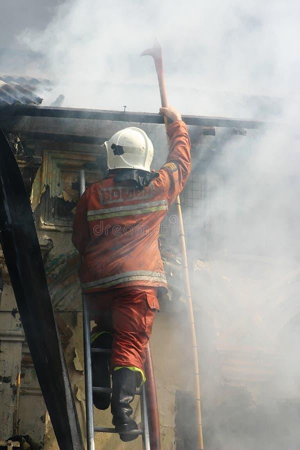 Download Brandmän arkivfoto. Bild av bränder, försvar, armerar, folk - 283670