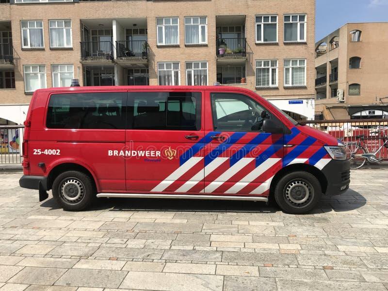 Brandmän för holländareVolkswagen biltransport royaltyfri fotografi
