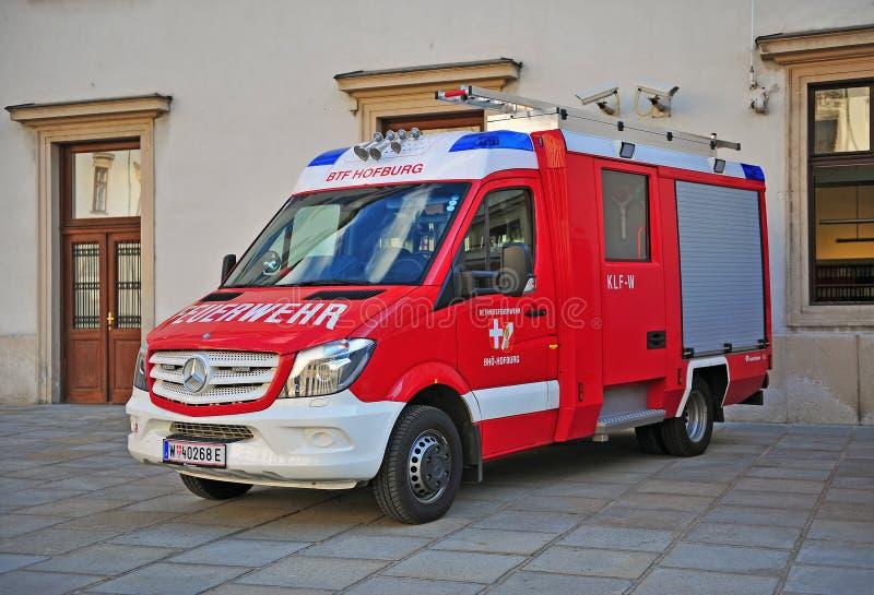 Brandspår i gatan av Wien royaltyfri bild