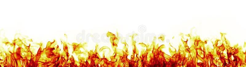 Brandvlammen op witte achtergrond meer rode versie stock foto