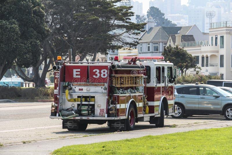 Brandvrachtwagen in de straten van San Francisco royalty-vrije stock afbeelding
