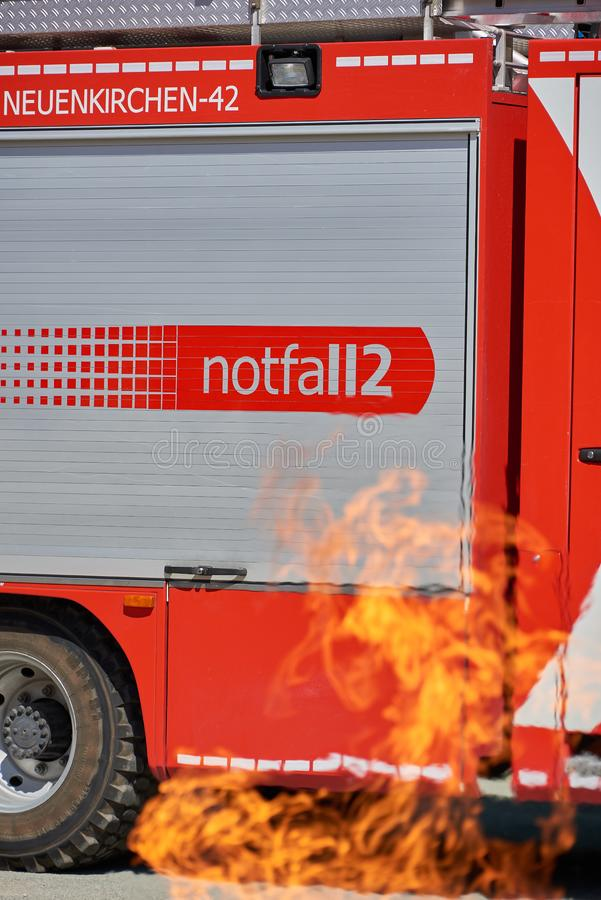 Brandvrachtwagen in gevaar royalty-vrije stock fotografie