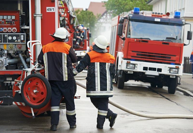 Brandweerman op plicht royalty-vrije stock afbeeldingen