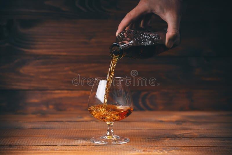 Brandy o cognac nel vetro immagine stock