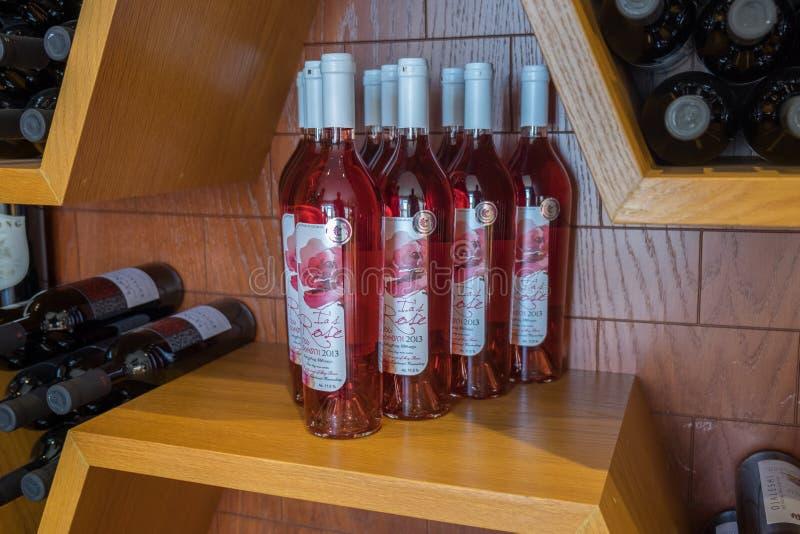 Brandy w dużym georgian wino sklepie i wino obraz royalty free