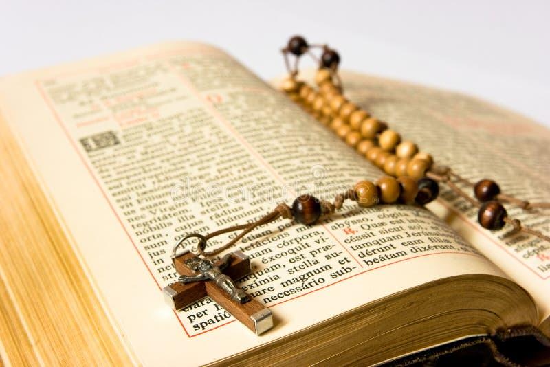 Branelli e breviary del rosario fotografia stock
