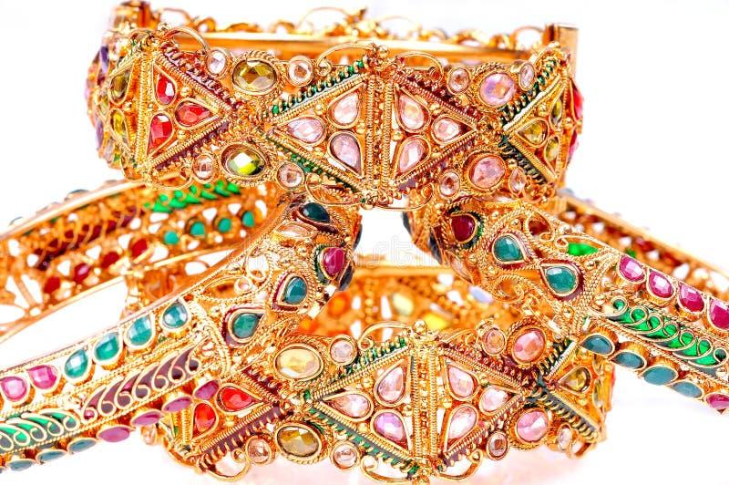 bransoletki złote zdjęcia royalty free