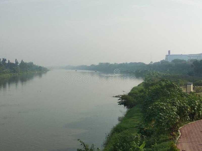 Brantas河早晨视图 免版税库存图片