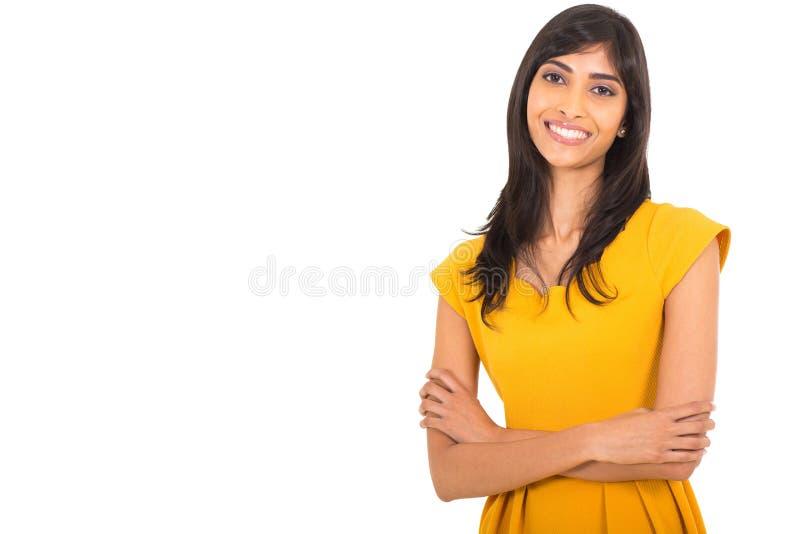 Bras indiens de femme pliés photographie stock