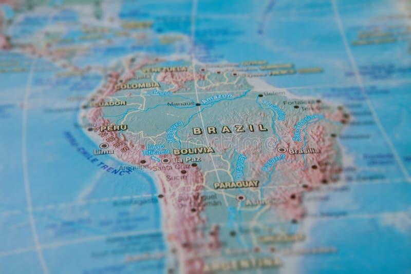 Brasil no fim acima no mapa Foco no nome do pa?s Efeito do Vignetting fotos de stock