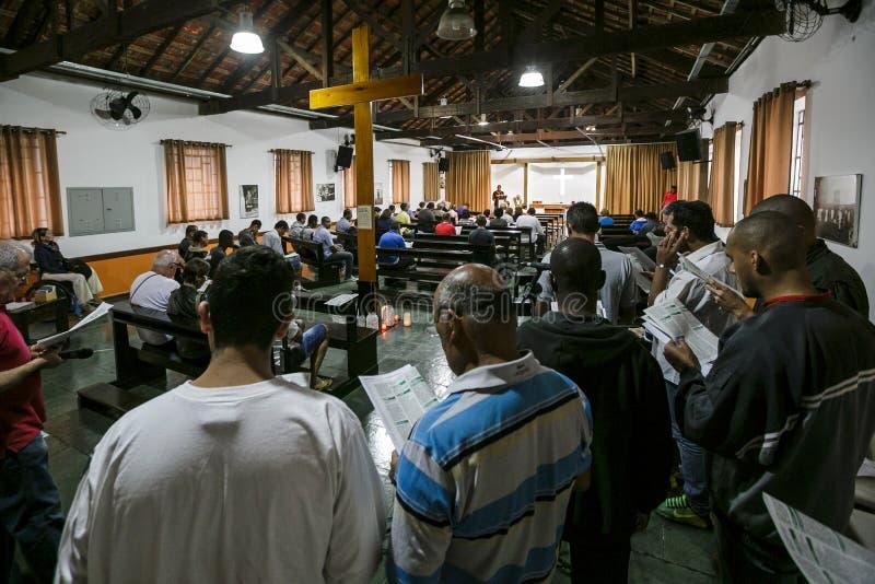 Brasil - San Paolo - A ONG Sermig - massa para os voluntários imagem de stock royalty free