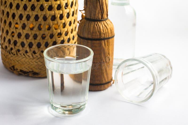 Brasileiro tradicional Cachaca Usado para fazer o caipirinha da bebida fotografia de stock