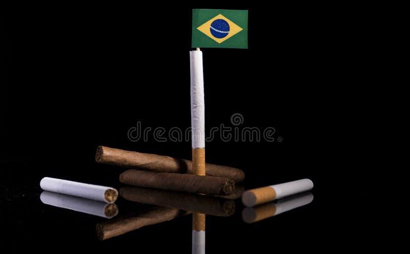 Download Brasilianische Flagge Mit Zigaretten Und Zigarren Stockbild - Bild von nahaufnahme, machtlosigkeit: 96935605