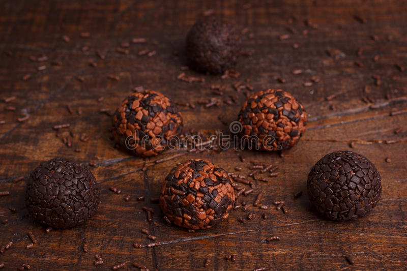 Brasilianisches Schokoladentrüffel-Bonbon brigadeiro stockfoto
